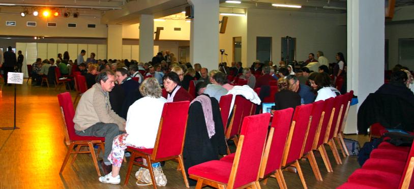 Kleingruppen im großen Saal