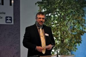 Dr. Berthold Schwarz eröffnet die Feierlichkeiten zur Franz-Delitzsch-Preisverleihung