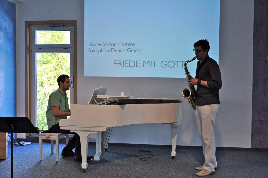 Das musikalische Rahmenprogramm von V. Martens und D. Grams