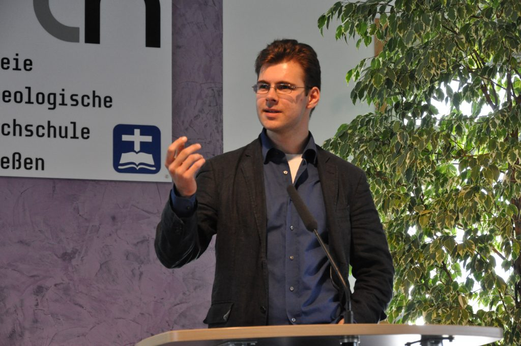 Voss-Göschel bei seinem Vortrag