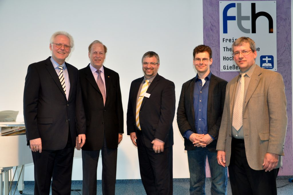 Die Preisträger des Franz-Delizsch-Förderpreises mit Prof. Dr. Helge Stadelmann, Fritz May und Dr. Berthold Schwarz