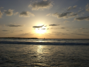 Sonnenuntergang am Strand von Tel Aviv