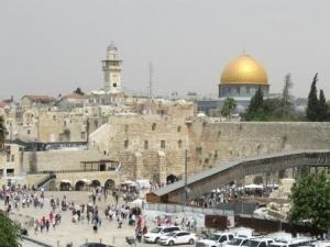 Klagemauer und Felsendom - Symbole zweier Religionen auf engstem Raum