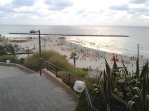 Der Strand vor unserem Hotel in Netanya