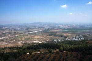 Blick vom Berg Karmel auf die Jesreel-Ebene