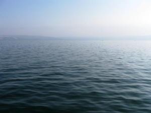 Der See Genezareth um acht Uhr morgens